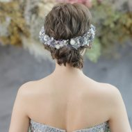 ドレスに合わせたグレーの髪飾りをつけることで統一感を❁