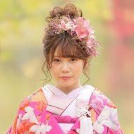 お花たっぷりの髪飾りがポイント☆彡