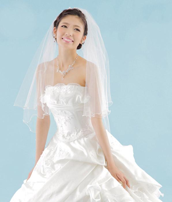 前撮りフォトウエディングが出来るISHIKURI PHOTO STUDIOのビスチェタイプドレス