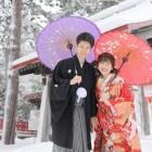 伏見 雪景色の中和傘で華やかに!
